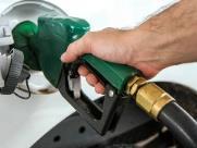 Postos prometem aumento, mas ainda mantêm valor do combustível