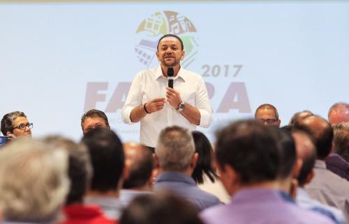 ACidade ON - Araraquara - Prefeito Edinho Silva discursa durante lançamento da Facira para empresários (AmandaRocha/ACidadeON/Araraquara)