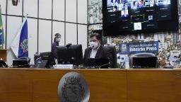 Câmara de Ribeirão cobra vereadores sobre uso de assessores