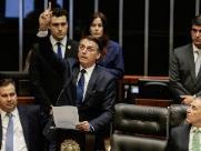 Bolsonaro pede pacto com a socidedade para revigorar democracia em primeiro discurso