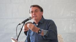 Bolsonaro: auxílio é pouco para quem recebe e muito para quem paga