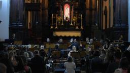 Catedral recebe concerto após um ano do atentado