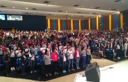 Proerd atende alunos do 5º ano do Ensino Fundamental de escolas públicas e privadas (Divulgação/Prefeitura) - Foto: (Divulgação/Prefeitura)