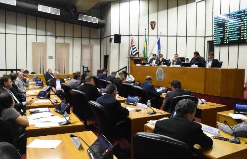 Aline Pereira / divulgação Câmara Municipal de Ribeirão Preto - Secretário de Planejamento, Edson Ortega, foi à Câmara explicar detalhes do programa (foto: Aline Pereira / divulgação Câmara Municipal de Ribeirão Preto)