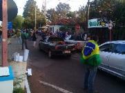 Acampados do assentamento bloqueiam a passagem de veículos no 'Pedágio da Coxinha'