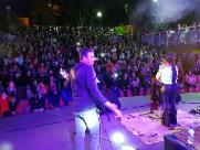 Público lota Teatro de Arena para assistir show da Banda Vinil 78