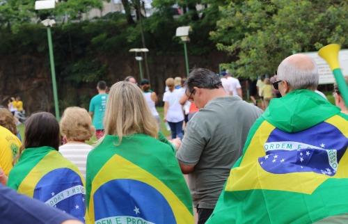 Renato Lopes / Especial - Manifestação coloriu Parque Raya de verde e amarelo