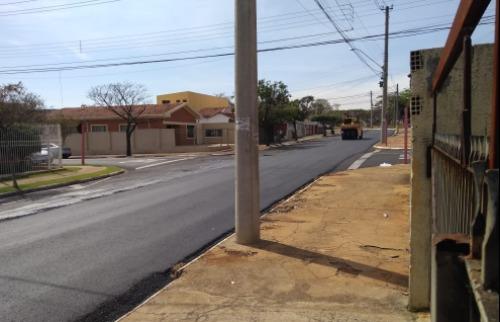 Recapeamento é bem vindo, mas moradores querem lombadas para evitar acidentes - Foto: ACidade ON - Araraquara