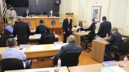 Parlamentares pedem informações sobre compra de respiradores
