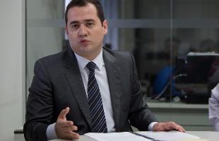 Mastrangelo Reino / A Cidade - Além de perder tempo na propaganda gratuita, Ricardo Silva (PDT) está sujeito à multa de R$ 10 mil