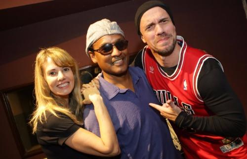 Murilo Corte / ME - Nora Hanna e Rodrigo Laguna com o músico David Cochrane (foto: Murilo Corte / ME)
