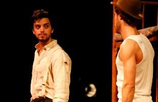 Divulgação - Atores em cena da peça que será apresentada em Ribeirão