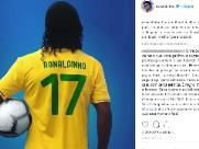 Barcelona quer se afastar de Ronaldinho por causa de Bolsonaro, diz jornal
