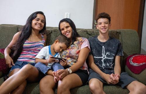 Rosana é mãe com jornada dupla (Foto: Weber Sian / ACidade ON) - Foto: ACidade ON - Ribeirão Preto