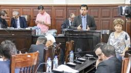 Câmara aprova alteração em lei para garantir aditamento de professores