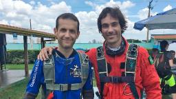 Ricardo e Sanner  antes do salto de paraquedas