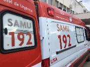 Adolescente fica em estado grave após choque de skate e caminhão