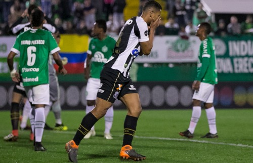 David Braz lamenta chance perdida na área da Cape (Foto: Liamara Polli/Agif/Folhapress) - Foto: ACidade ON - Ribeirão Preto