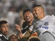 Corinthians supera o Santos nos pênaltis e vai buscar o tricampeonato