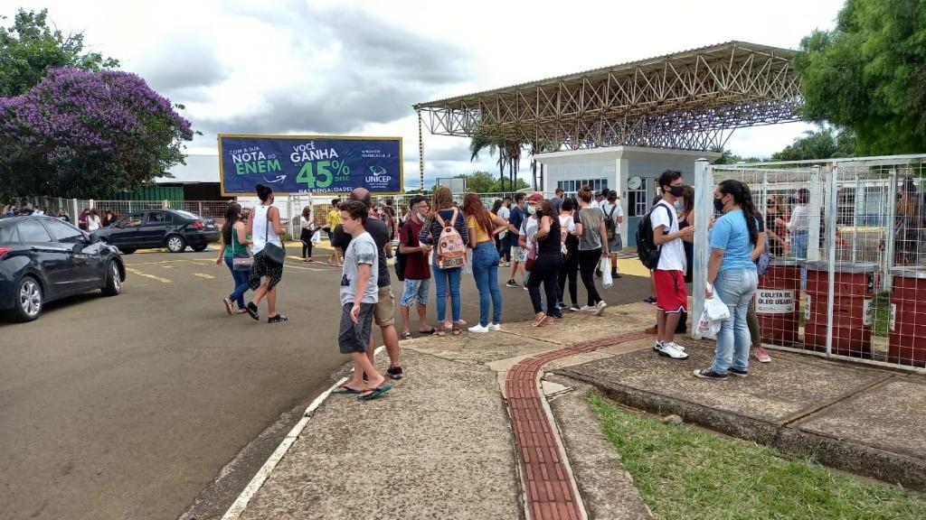 Primeiro dia do Enem em São Carlos (SP). Foto: CBN São Carlos - Foto: ACidade ON - São Carlos