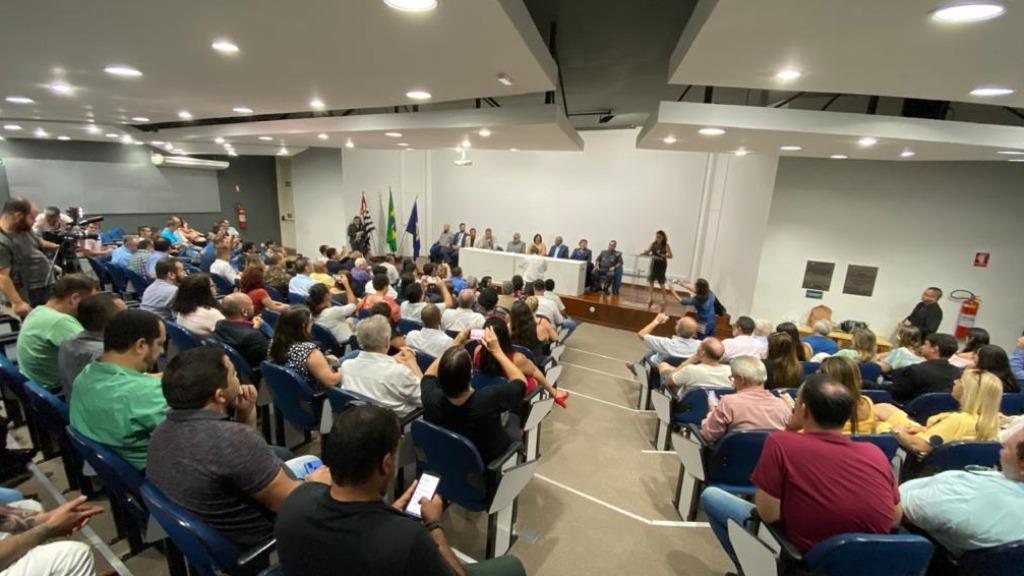 Ministra Damares propõe criar gabinete para ajudar São Carlos. Foto: Divulgação Prefeitura Municipal - Foto: ACidade ON - São Carlos