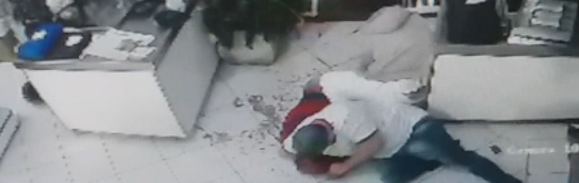 Comerciante reage a assalto e bate em ladrão - Foto: Divulgação