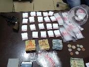 PM apreende cocaína, dinheiro e arma de fogo em bar no Centreville