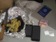 Adolescente rouba celular, vende em biqueira e é detido pela PM