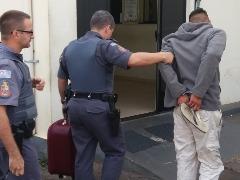 Ladrão é preso pela Polícia Militar - Foto: ACidade ON - São Carlos