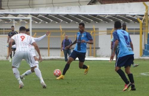 São Carlos pressiona Barretos, mas fica no empate. Foto: Divulgação - Foto: Divulgação