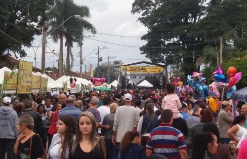 ACidade ON - São Carlos - As ruas de Água Vermelha ficaram lotadas (foto: Luã Viegas/ ACidade ON São Carlos)