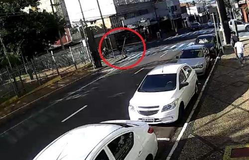 Confira o momento em que o acidente aconteceu - Foto: colaboração/Emerson Rodrigues - Foto: ACidade ON - São Carlos