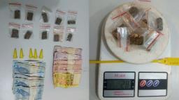 Rapaz é detido com maconha e cocaína em praça de Ibaté