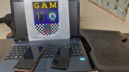 Após furto de celulares e notebook, jovens são detidos e liberados