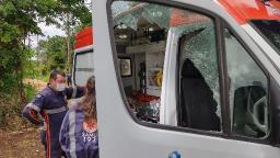 Homem com facão danifica ambulâncias do Samu e viaturas da PM