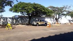Prefeitura bloqueia vias de acesso e estacionamento de cemitérios