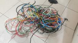 Homem é flagrado com grande quantidade de fios furtados