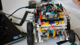 Grupo de robótica da USP oferece palestras virtuais para escolas