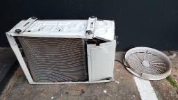 Dupla furta aparelho de ar condicionado no Ceme