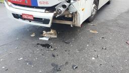 Motociclista fica ferido ao ser atingido por ônibus no Aracy II