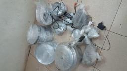 Dupla é presa furtando formas de alumínio de padaria