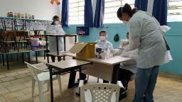 Alunos e servidores da rede estadual de ensino são testados para Covid-19