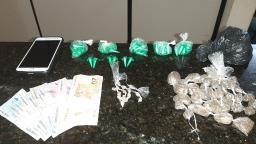 Traficante é preso com 116 porções drogas na Vila Jacobucci
