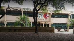 Escola de São Carlos comemora aprovação de 28 alunos em universidades