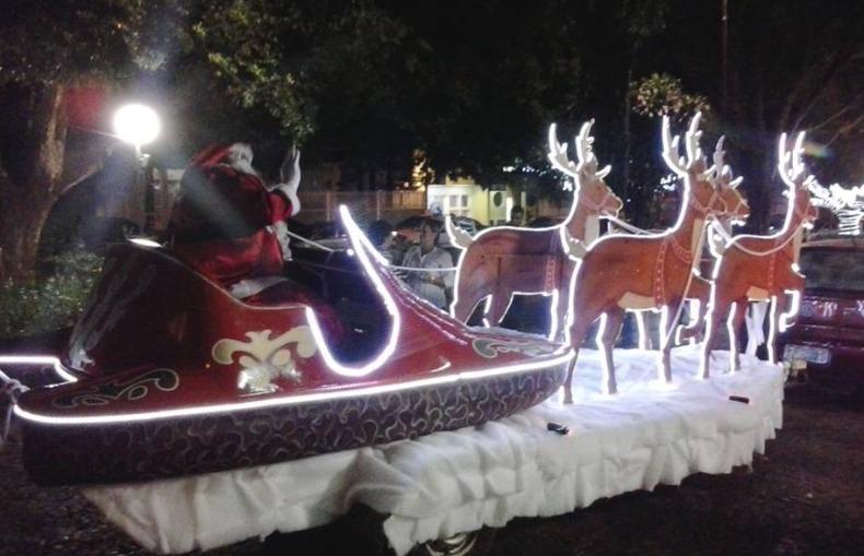 Fotos Simpaticas De Papa Noel.Morador Vira Papai Noel E Anda De Treno Por Sao Carlos