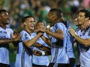 São Paulo vence Chapecoense e abre vantagem para adversários no G-4