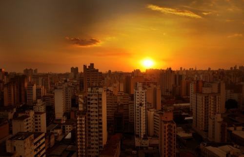 Segunda-feira começou com sol e calor em Campinas. Foto: ACidadeON Campinas - Foto: ACidade ON - Campinas