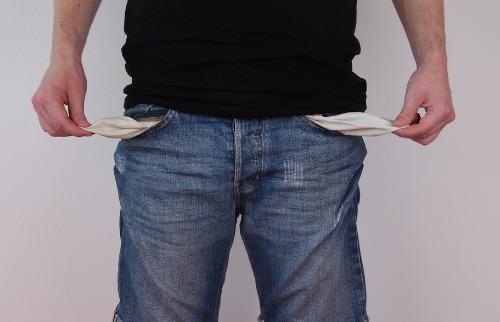 Schuldnerhilfe / Pixabay - Sem dinheiro no bolso