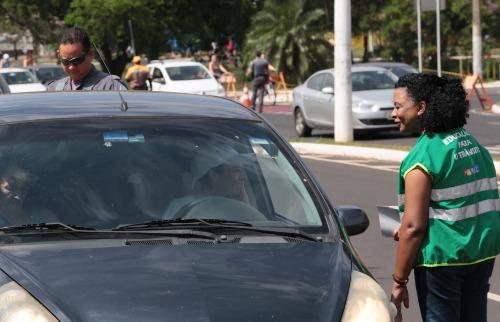 Renato Lopes / Especial - Semana Nacional de Trânsito ainda contou com orientações para pedestres, simulações que mostraram a importância do uso do cinto de segurança e ações para estimular o uso do transporte coletivo