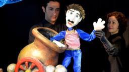 Sesc São Carlos apresenta espetáculo circense de bonecos